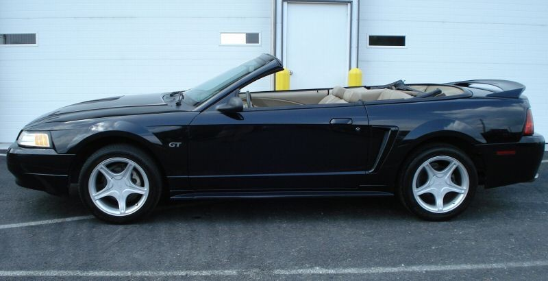 black 2000 ford mustang gt convertible photo detail. Black Bedroom Furniture Sets. Home Design Ideas