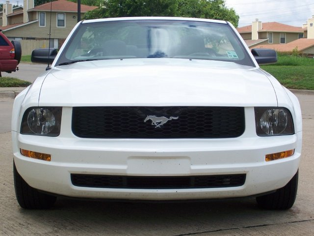White 2005 Mustang Convertible
