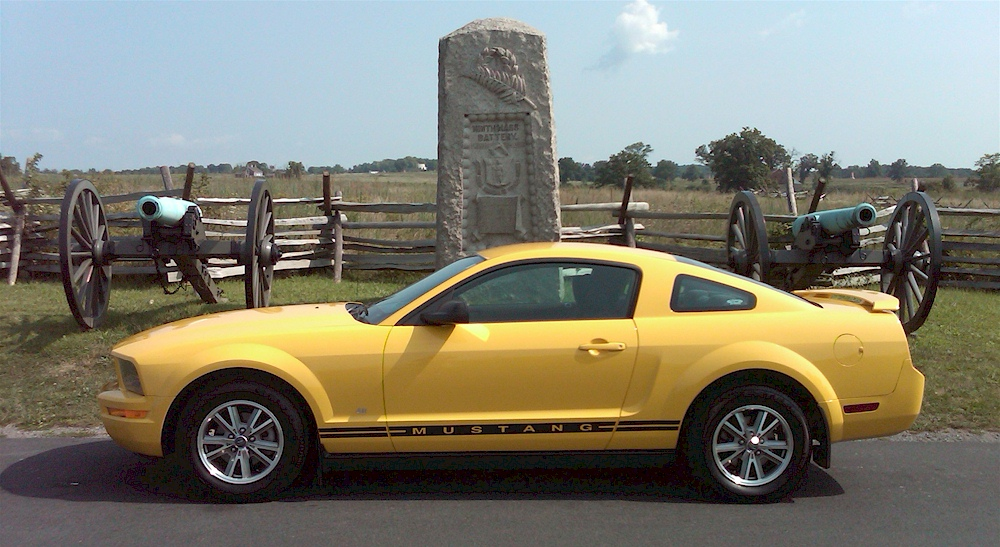 Screaming Yellow 05 Mustang