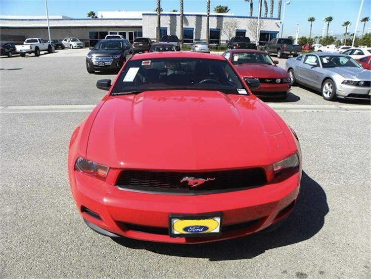 Red Race 2012 Mustang Premium V6 Coupe