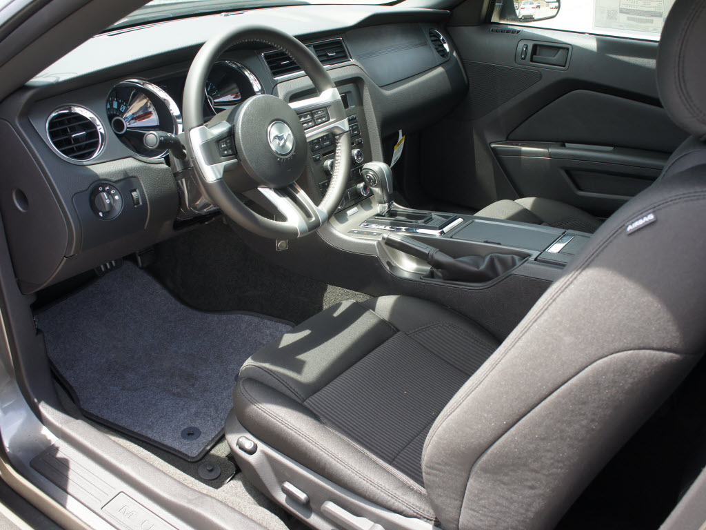 sterling gray 2014 ford mustang coupe mustangattitude. Black Bedroom Furniture Sets. Home Design Ideas